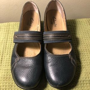 Clark's active air Mary Janes size 7.5